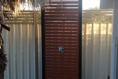 Aluminium-Slat-Screen-Outdoor-Shower
