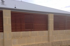 Aluminium-Wook-Look-A-Like-Slat-Infill-with-Retaining-Wall