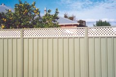 Colorbond-Fencing-with-Lattice